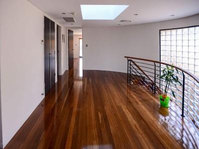 木地板和瓷砖的优缺点对比