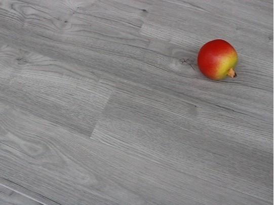 古象强化地板·淡雅灰橡-J9876