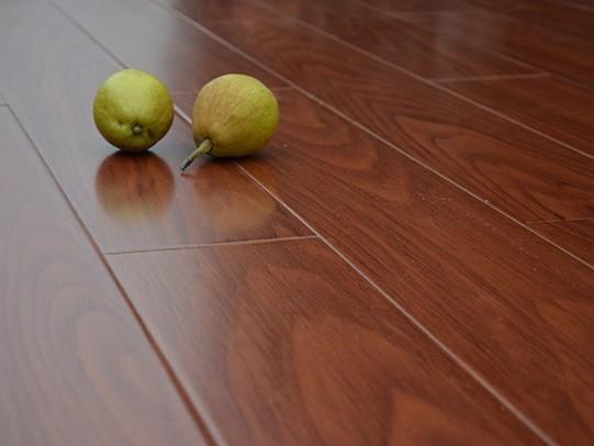 古象强化地板·红豆松木J9175