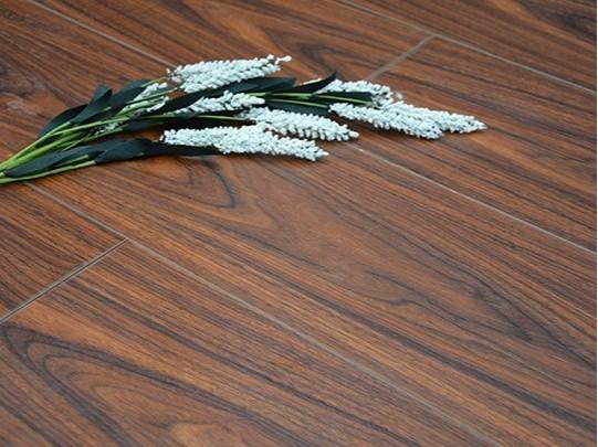 古象多层地板·克拉科黑胡桃-LS2301