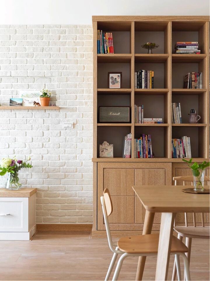 客厅铺装古象原木地板