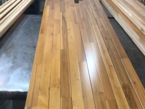 木地板加盟考察时需要注意的点