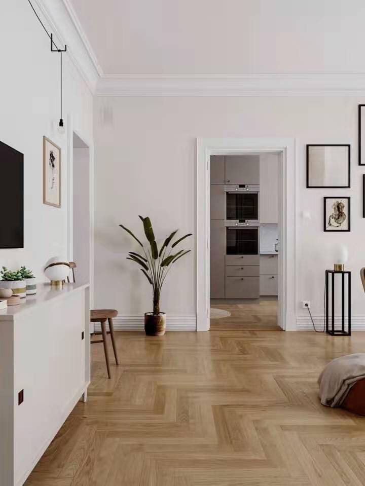 客厅安装强化地板