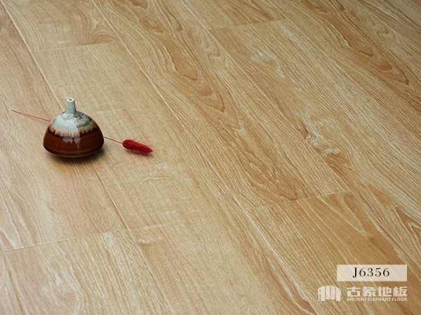 古象强化地板·班贝格白橡-J6356