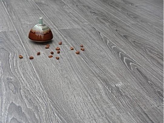古象强化地板·班贝格灰橡-J6351