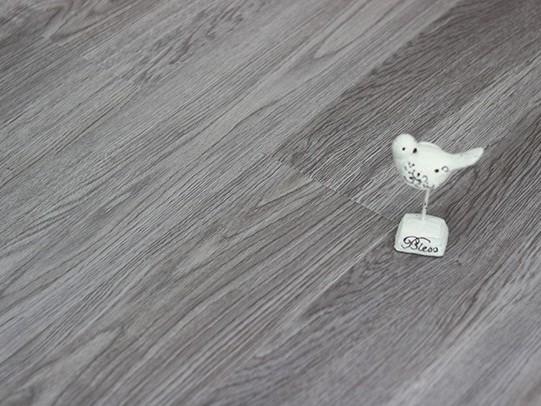 古象强化地板·灰影蝶舞-J6577