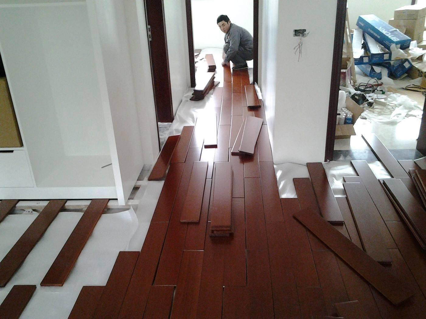 铺装木地板时的注意事项