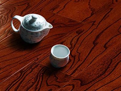 古象地板揭秘!木地板清洁原来应该这样做
